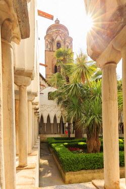 ITA9983AW Italy, Campagnia, Amalfi Coast, Amalfi. Duomo di San Andreas (St. Andrews). Interior.