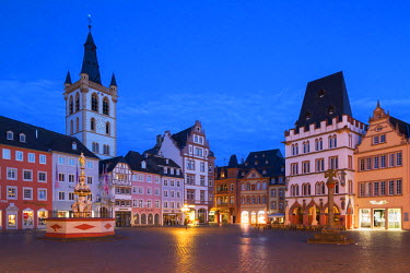 GER9303AW Main Square at dawn, Trier, Rhineland-Palatinate, Germany