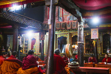NEP2091AW Interior of buddhist temple, Lo Manthang, Upper Mustang region, Nepal