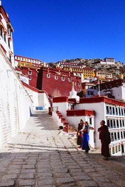 TIB0200AW Ganden monastery, Tibet, China