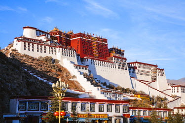 TIB0207AW Famous Potala palace, Lhasa, Tibet, China