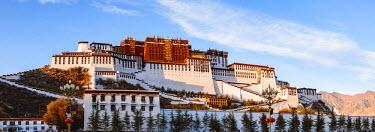 TIB0209AW Famous Potala palace, Lhasa, Tibet, China