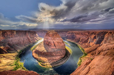 USA12404AW Horseshoe Bend and the Colorado River, Glen Canyon National Rec. Area, Arizona, USA