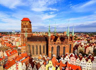 POL1713AW Poland, Pomeranian Voivodeship, Gdansk, Elevated view of the Old Town, St. Mary's Basilica