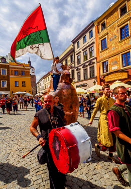 POL1775AW Poland, Lublin Voivodeship, City of Lublin, Old Town, Copper Hen during the Jagiellonian Fair