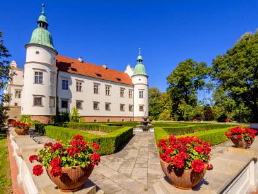POL1857AW Poland, Subcarpathian Voivodeship, Baranow Sandomierski Castle