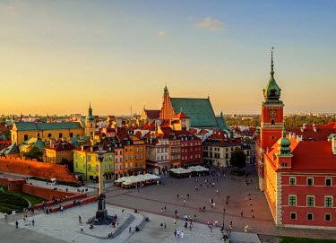 POL1911AW Poland, Masovian Voivodeship, Warsaw, Old Town, Elevated view of the Castle Square