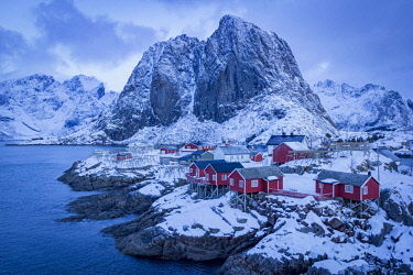 NOR0922AW Hamnoy, Lofoten islands, Norway. winter view at sunrise