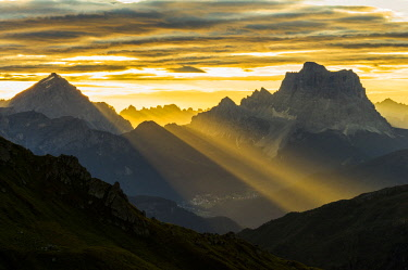 CLKBD39498 Europe,Italy,Dolomites,Veneto,Belluno district. Sunrise on the Pelmo and Antelao, Dolomites