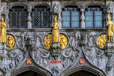 BEL1607AW Detail of the facade of Holy Blood Basilica (Heilig Bloedbasiliek), Burg, Bruges, West Flanders, Belgium