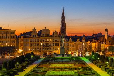 BEL1639AWRF City center skyline from Mont Des Arts, Brussels, Belgium