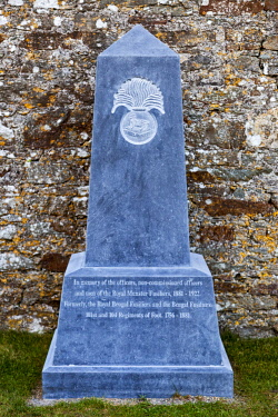IRL0557 Memorial to the Royal Munster Fusiliers in the 17th Century Charles Fort, Kinsale, Co. Cork, Munster, Ireland.