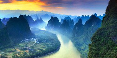 CH11386AW China, Guangxi province, Xingping village along River Li