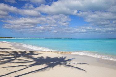 BA039RF Bahamas, Abaco Islands, Great Abaco, Beach at Treasure Cay