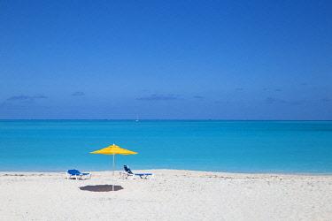 BA041RF Bahamas, Abaco Islands, Great Abaco, Beach at Treasure Cay