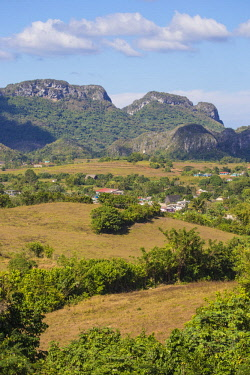 CB156RF Cuba, Pinar del Río Province, Vinales, View of Vinales valley