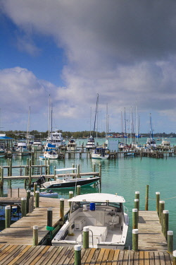 BA01332 Bahamas, Abaco Islands, Great Abaco, Marsh Harbour