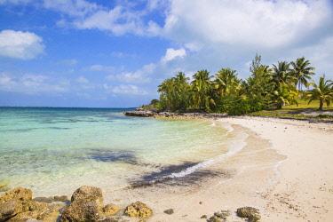 BA01333 Bahamas, Abaco Islands, Great Abaco, Marsh Harbour, Beach at Mermaid reef