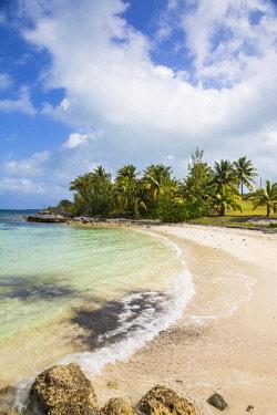 BA01334 Bahamas, Abaco Islands, Great Abaco, Marsh Harbour, Beach at Mermaid reef