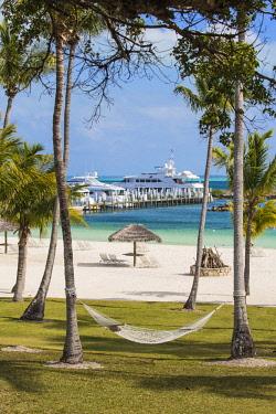 BA01336 Bahamas, Abaco Islands, Great Abaco, Marsh Harbour, Abaco Beach Resort and Marina