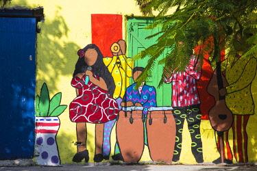 BA01416 Caribbean, Bahamas, Providence Island, Nassau, Wall painting on derelict building,