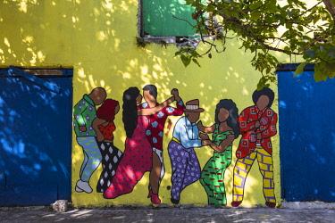 BA01417 Caribbean, Bahamas, Providence Island, Nassau, Wall painting on derelict building,