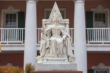 BA01435 Caribbean, Bahamas, Providence Island, Nassau, Parliament Square, Parliament House, Queen Victoria's Statue