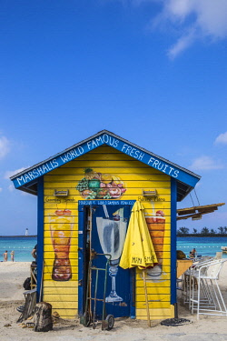 BA01441 Caribbean, Bahamas, Providence Island, Nassau, Junkanoo beach, Colourful wooden hut serving Bahamian food and drink