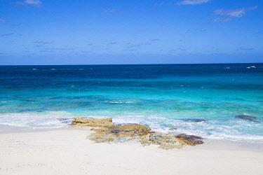 BA01279 Bahamas, Abaco Islands, Great Guana Cay, Beach at Nippers bar