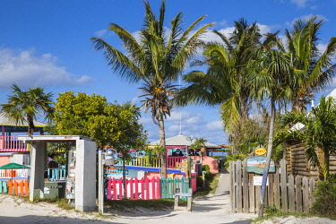 BA01281 Bahamas, Abaco Islands, Great Guana Cay, Nippers Bar