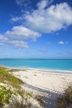 BA01284 Bahamas, Abaco Islands, Great Abaco, Beach at Treasure Cay