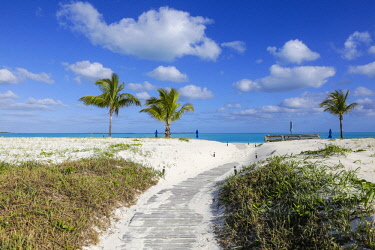 BA01286 Bahamas, Abaco Islands, Great Abaco, Beach at Treasure Cay