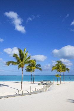 BA01287 Bahamas, Abaco Islands, Great Abaco, Beach at Treasure Cay