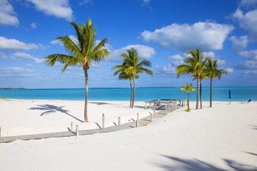 BA01288 Bahamas, Abaco Islands, Great Abaco, Beach at Treasure Cay