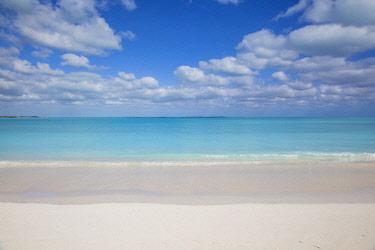 BA01289 Bahamas, Abaco Islands, Great Abaco, Beach at Treasure Cay