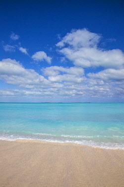 BA01290 Bahamas, Abaco Islands, Great Abaco, Beach at Treasure Cay