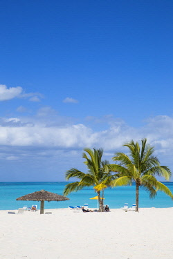 BA01293 Bahamas, Abaco Islands, Great Abaco, Beach at Treasure Cay