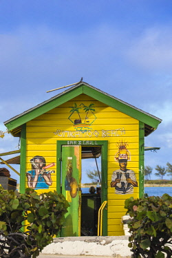 BA01153 Caribbean, Bahamas, Providence Island, Nassau, Junkanoo beach, Colourful wooden hut serving Bahamian food and drink