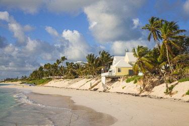 BA01175 Bahamas, Abaco Islands, Elbow Cay, Hope Town, Hope Town beach