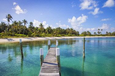 BA01178 Bahamas, Abaco Islands, Elbow Cay, Tihiti beach