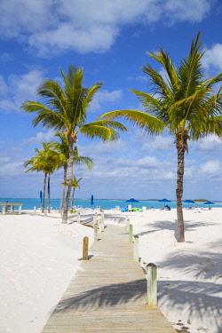 BA01295 Bahamas, Abaco Islands, Great Abaco, Beach at Treasure Cay