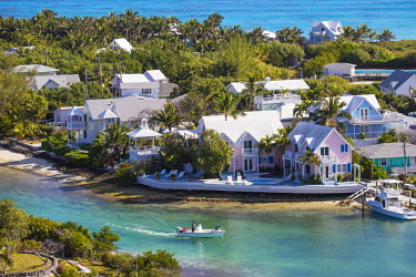 BA01202 Bahamas, Abaco Islands, Elbow Cay, Hope Town, View of Harbour