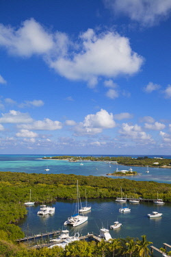 BA01205 Bahamas, Abaco Islands, Elbow Cay, Hope Town, View of Harbour