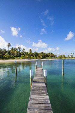 BA01221 Bahamas, Abaco Islands, Elbow Cay, Tihiti beach