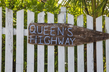 BA01232 Bahamas, Abaco Islands, Elbow Cay, Hope Town, Queens Highway sign