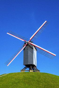 BEL1763AWRF Belgium, West Flanders (Vlaanderen), Bruges (Brugge). Bonne Chieremolen windmill on the Kruisvest park.