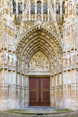 FRA9586AW France, Normandy (Normandie), Seine-Maritime department, Rouen. Ornate portal entrance of Cathedrale Notre-Dame de Rouen cathedral.