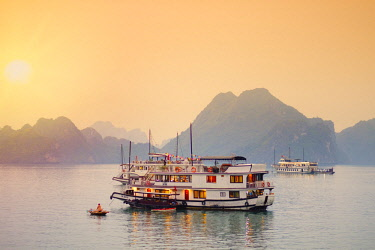 VIT1255AW Vietnam, Quang Ninh province, Halong Bay, tourist houseboats on Halong Bay