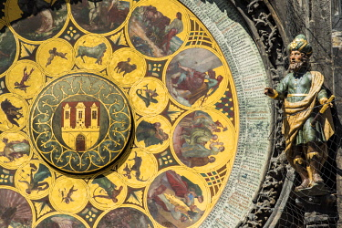 CZE1774AW Close-up view of the calendar plate of the Prague astronomical clock, Prague, Bohemia, Czech Republic