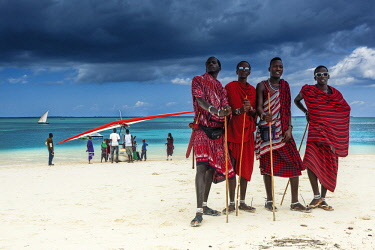 HMS2684959 Tanzania, Zanzibar, Kendwa, Masai group seafront